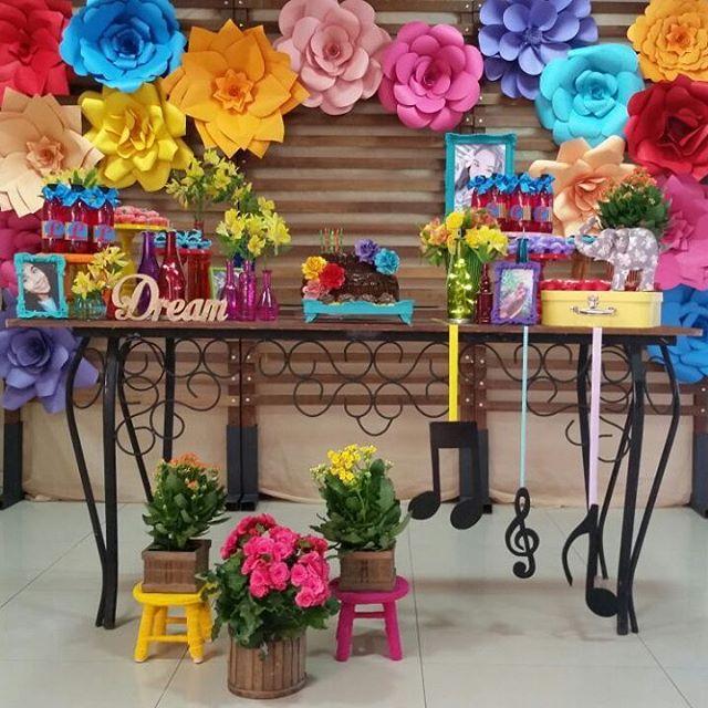 Flores de papel passo a passo, decoraç u00e3o, modelos Artesanato Passo a Passo! -> Decoração De Aniversário Com Flores Gigantes