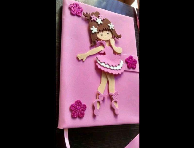 caderno com eva de bailarina