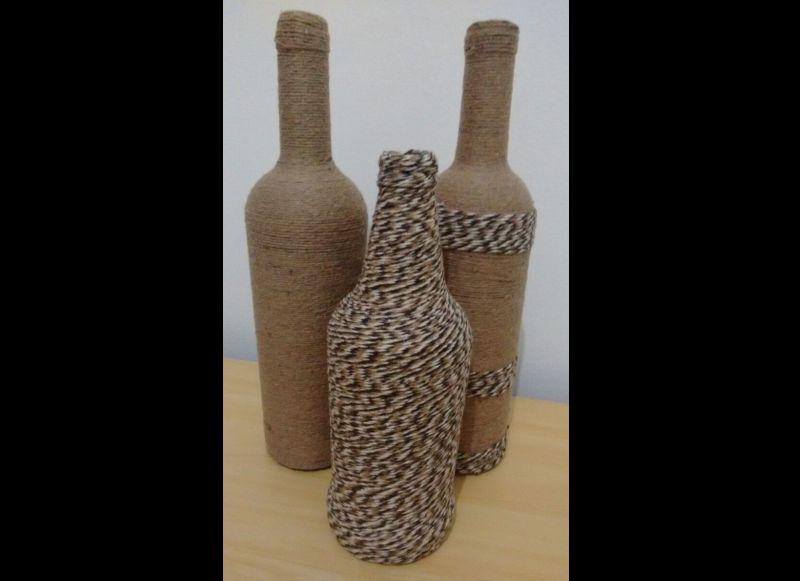 garrafa decorada com barbante mesclado