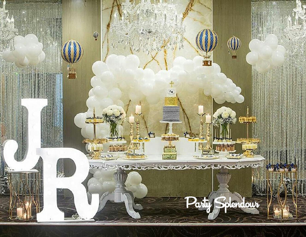 mesa do bolo com nuvem