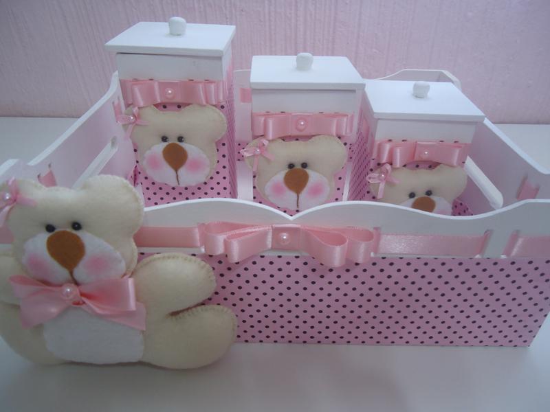ursinho de feltro em kit de MDF para bebê