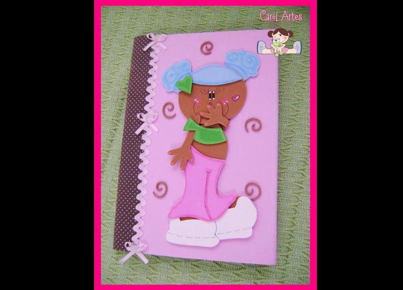 caderno com eva de menina