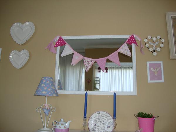 bandeirinhas de festa junina na sala