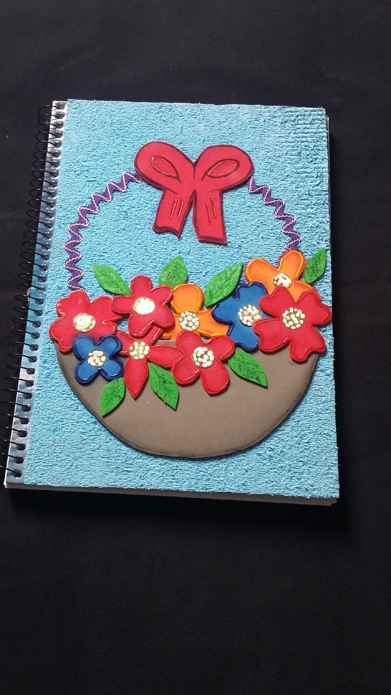 caderno com eva felpudo