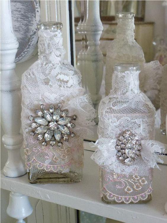 garrafa decorada com broche