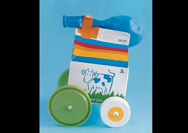 carrocinha de caixa de leite