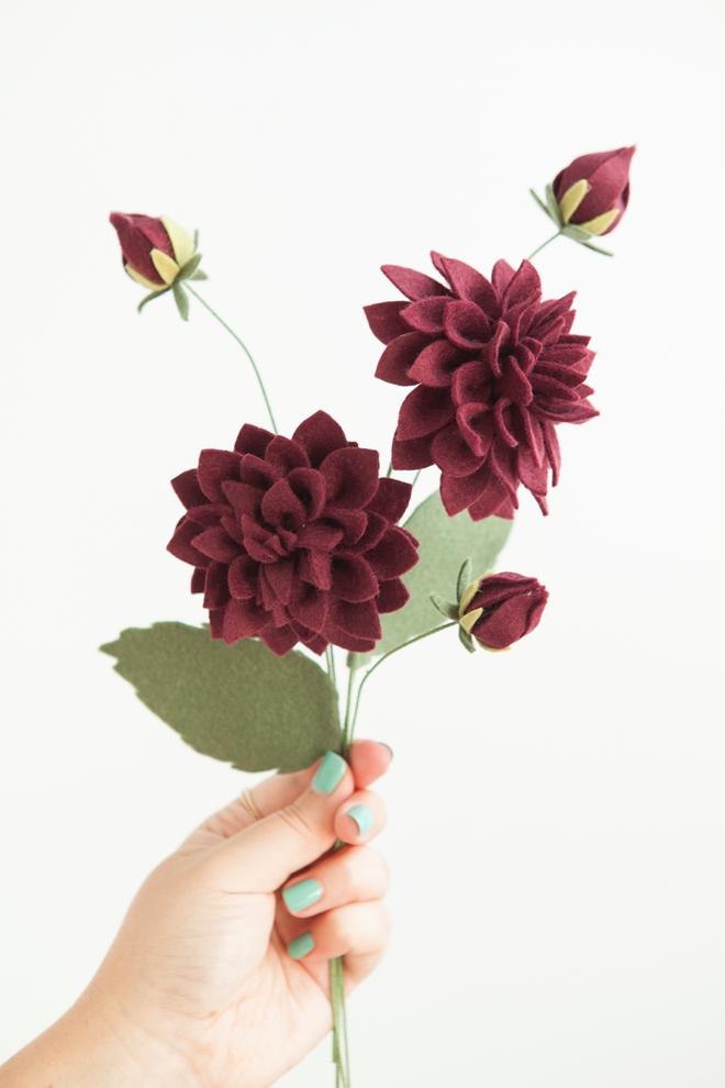 dica para fazer flor dália em feltro passo a passo