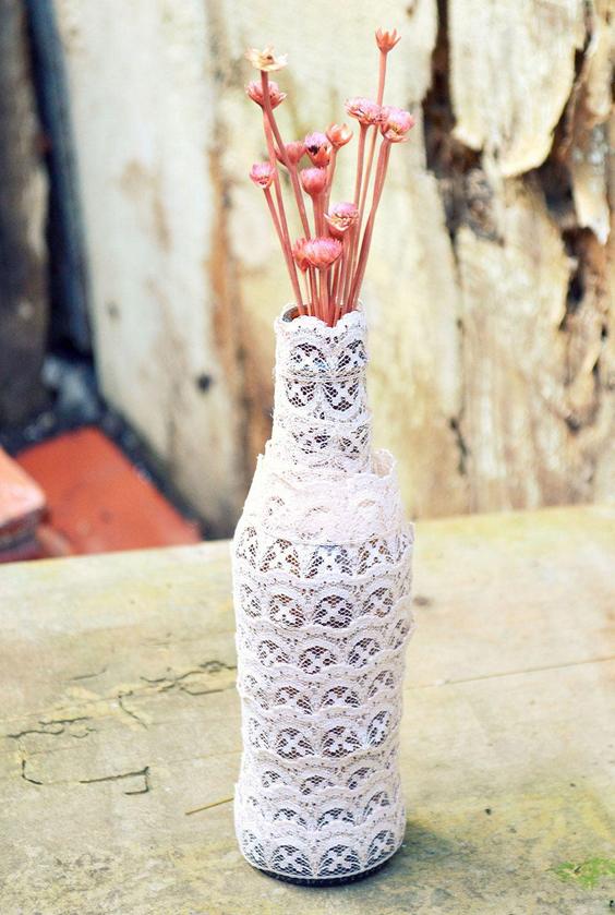 garrafa decorada bico de renda
