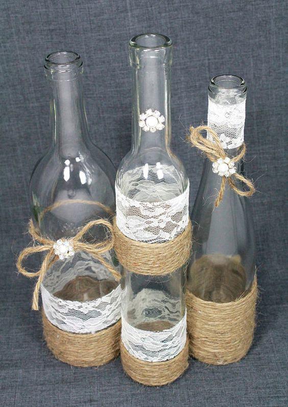 garrafa decorada com sisal e renda