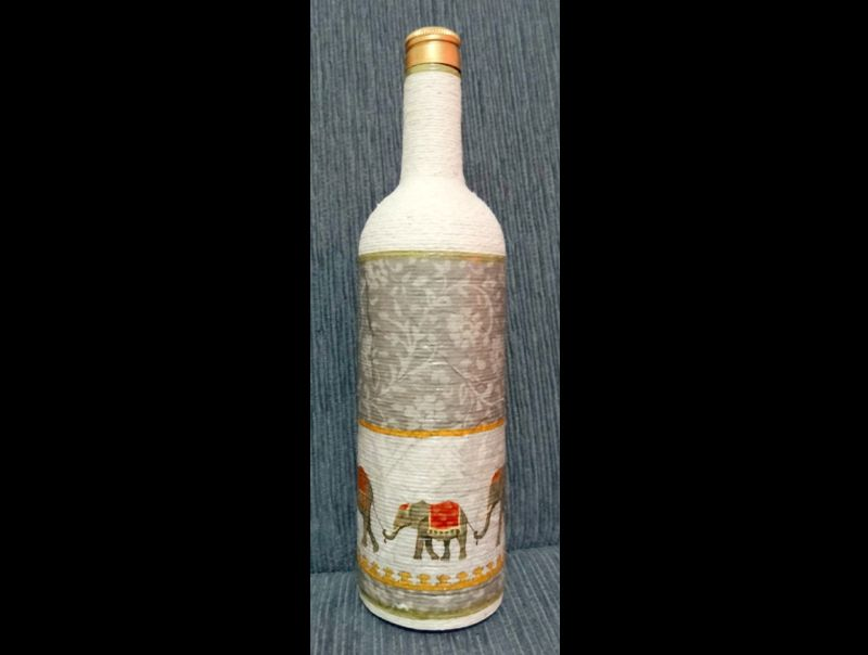 garrafa com barbante e decoupage