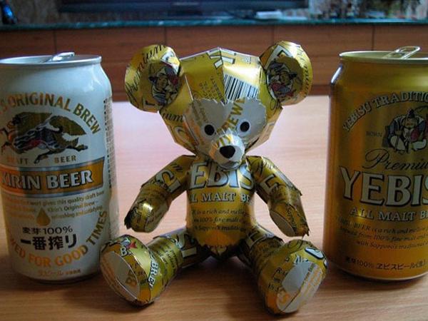 ursinho de latinha de cerveja