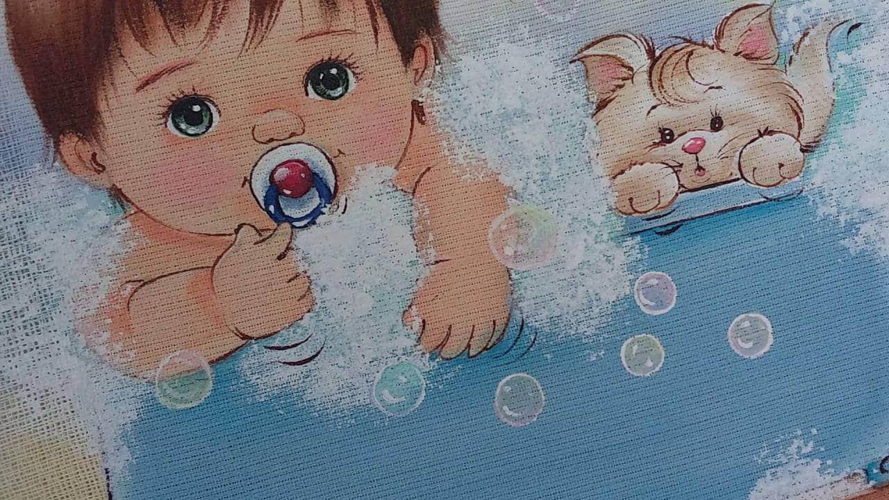 Pintura bebe em fralda