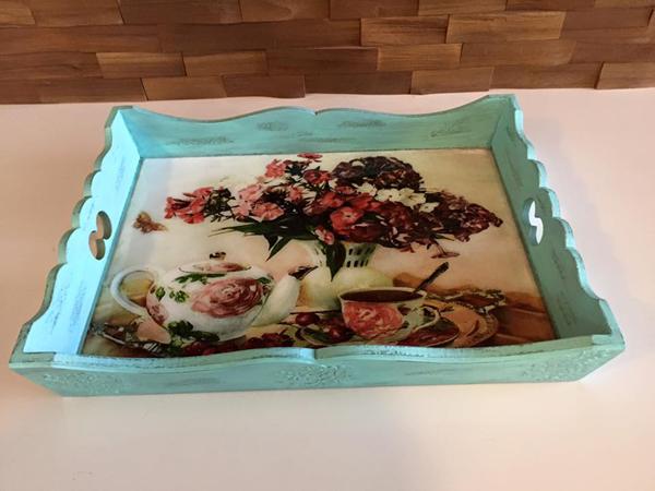 bandeja com decoupage com tecido