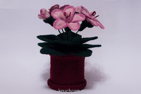 vaso com flor de croche