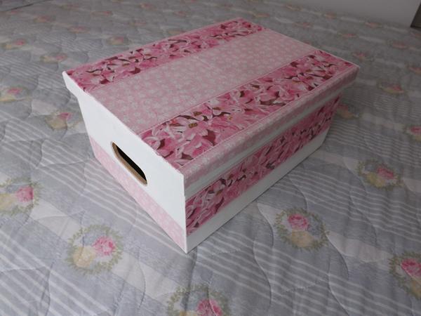 decoupage com tecido na caixa organizadora