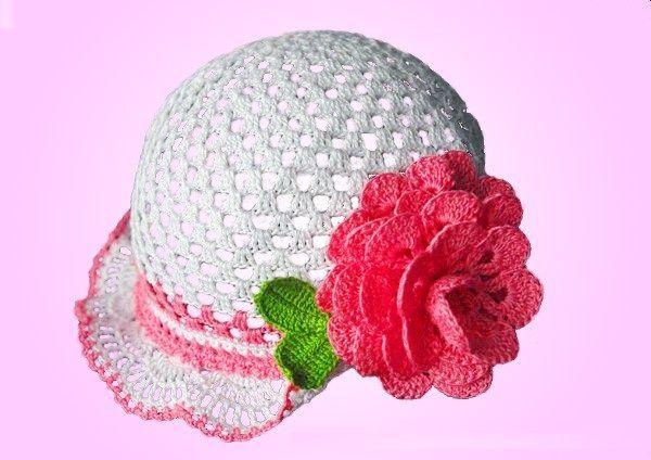 chapeu com flor de croche