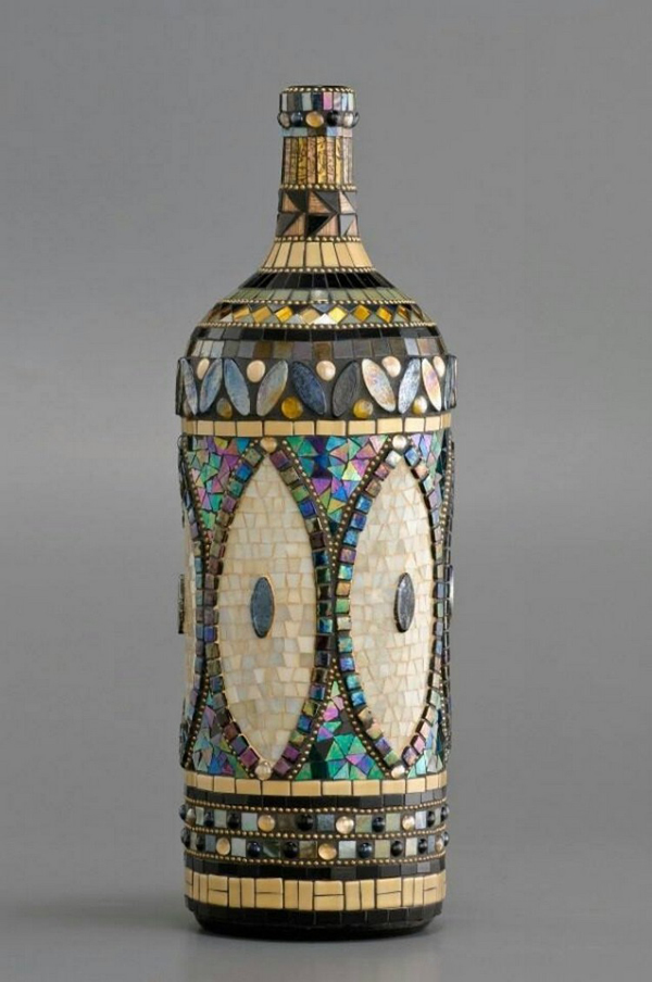 decoração de garrafa com mosaico