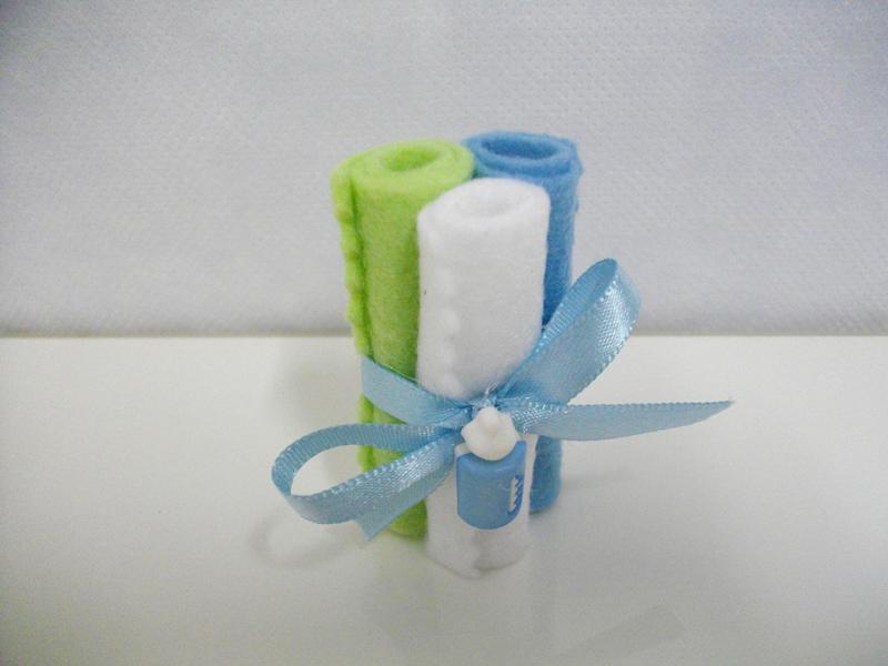 toalha de feltro para lembrança de chá de bebe