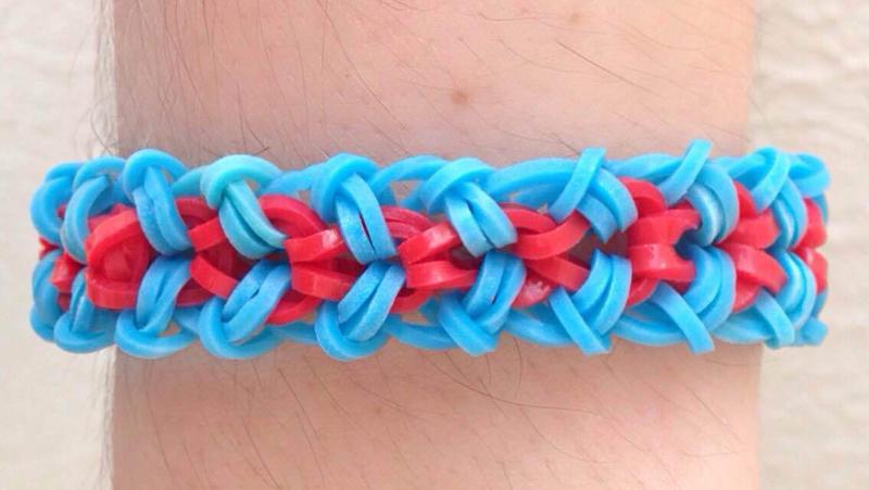 pulseira com duas cores
