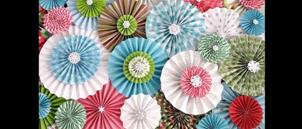 roseta de papel colorida