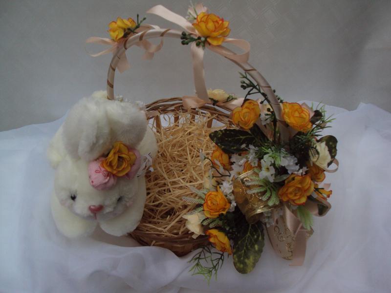 cesta decorada com coelhinho