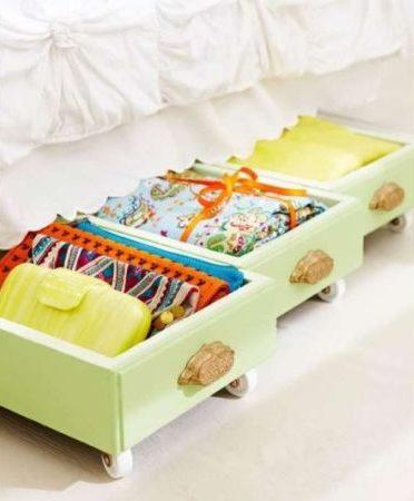gaveta antiga como organizador de cama