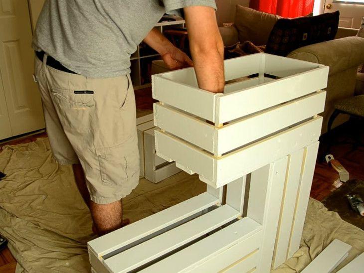 mesa de caixa de madeira comum