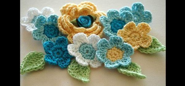 flor de croche colorida