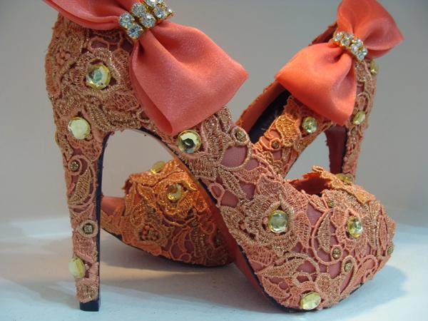 sapato customizado com laço