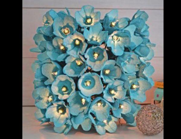 luminária com flores com caixa de ovos