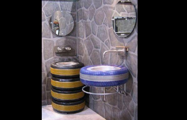 pneu no banheiro