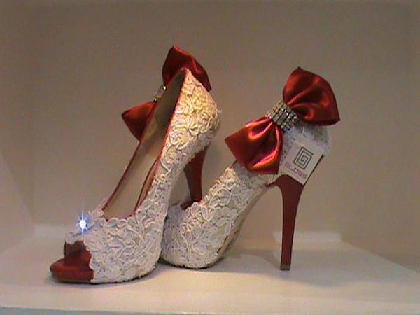 sapato customizado com pedras