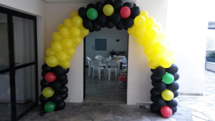 arco de balões semaforo
