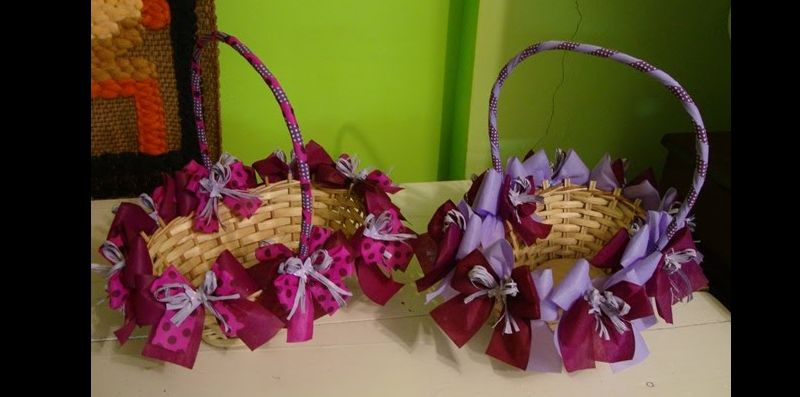 cesta decorada com laços
