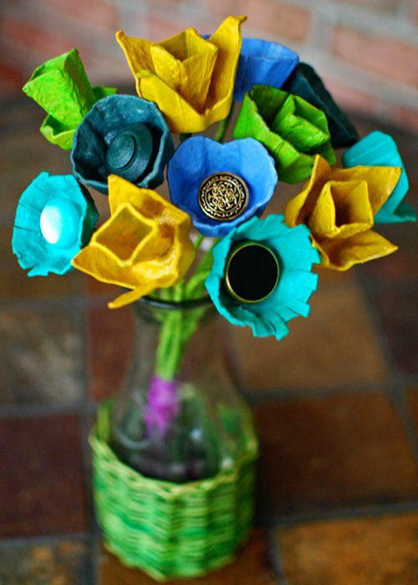flores com caixa de ovos diferentes