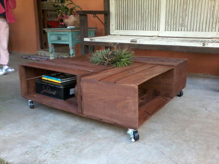 mesa de caixa de madeira marrom