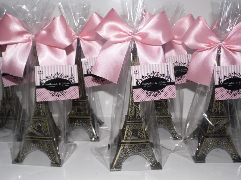 torre Eiffel lembrancinha