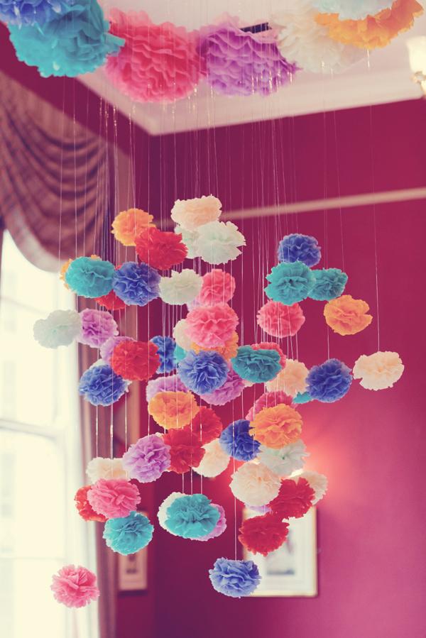 pompom de papel crepom colorido