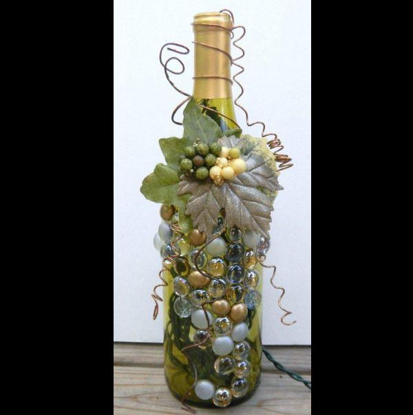 garrafa de vidro com arame