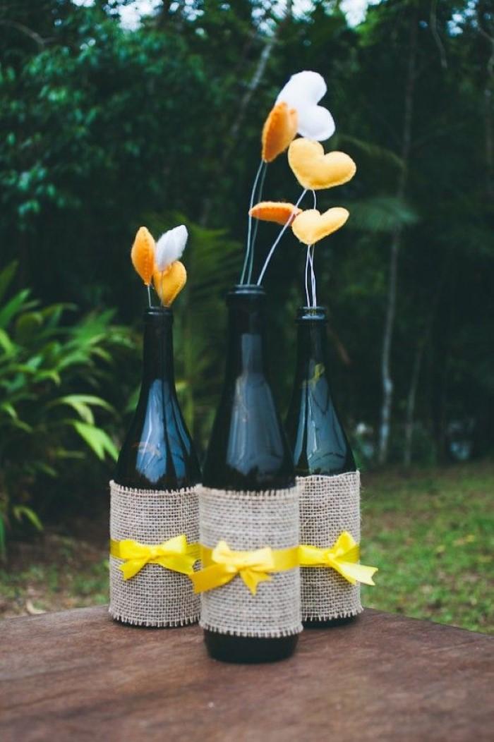 garrafa decorada com juta para casamento