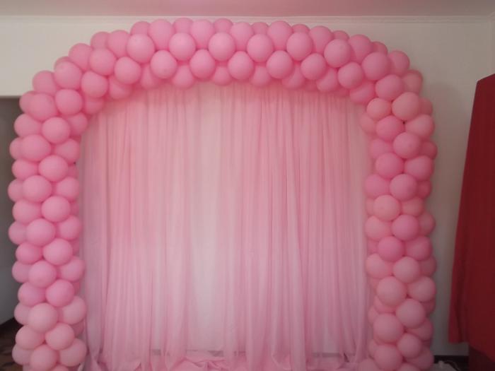 arco de balões rosa