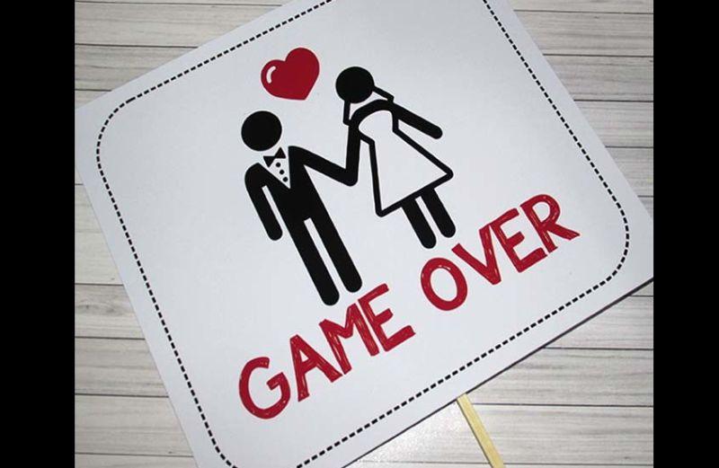 placa para casamento game over