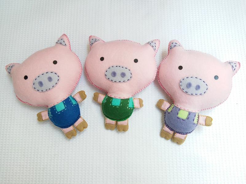 animais em feltro porcos