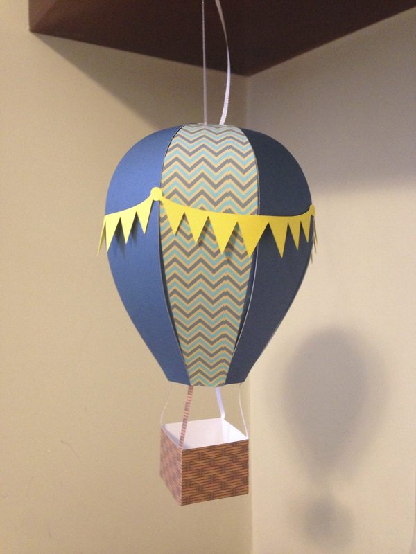 balão com papel para pendurar