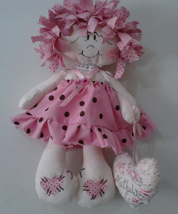 boneca de tecido com coração