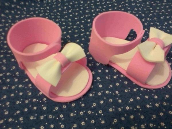 sapato de eva rosa e branco