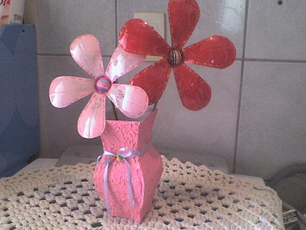 vasinho com flor de garrafa pet