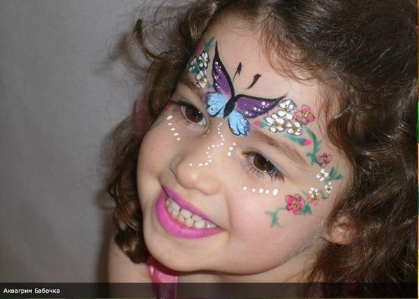 pintura em rosto menina