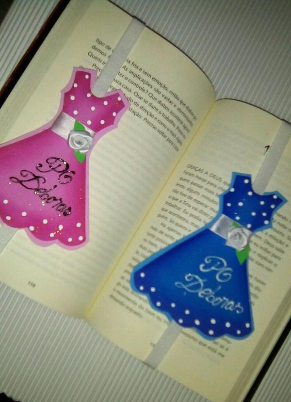 marcador de livro em eva de vestido