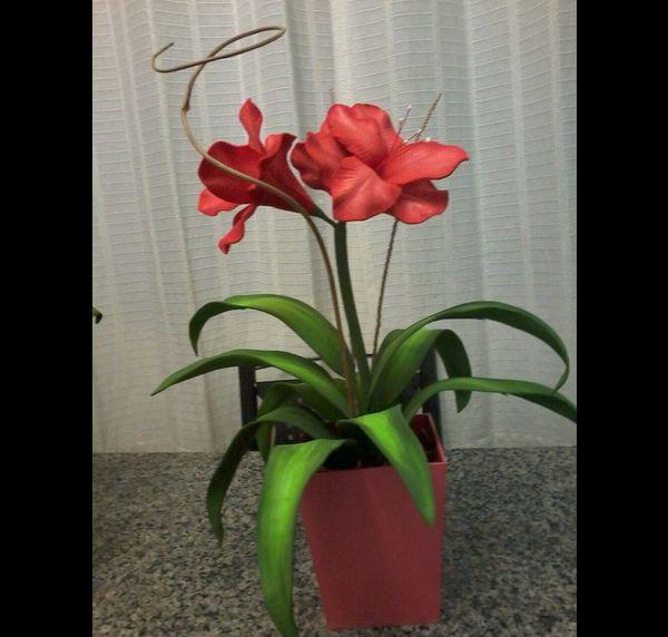 arranjo com flores feitas de EVA